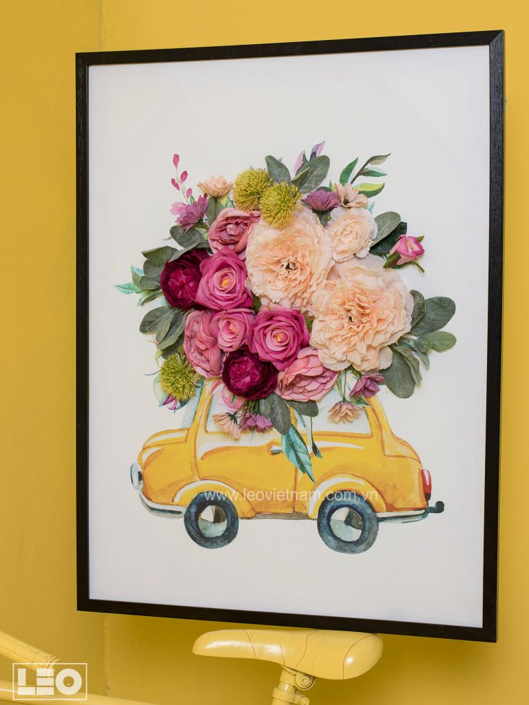 Tranh gắn hoa lụa Flower Talk 1